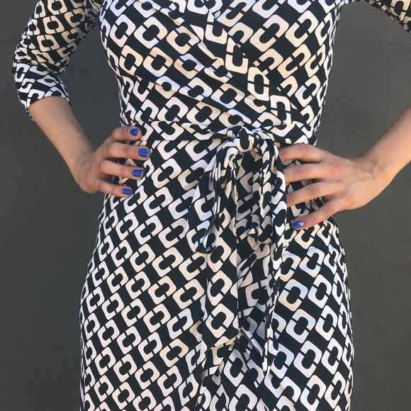 Diane Von Furstenberg Dresses & Skirts - DVF Abigail Chain Link Silk Wrap Dress